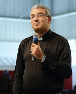 Pe. Roger Luis Foto: Wesley almeida/cancaonova.com