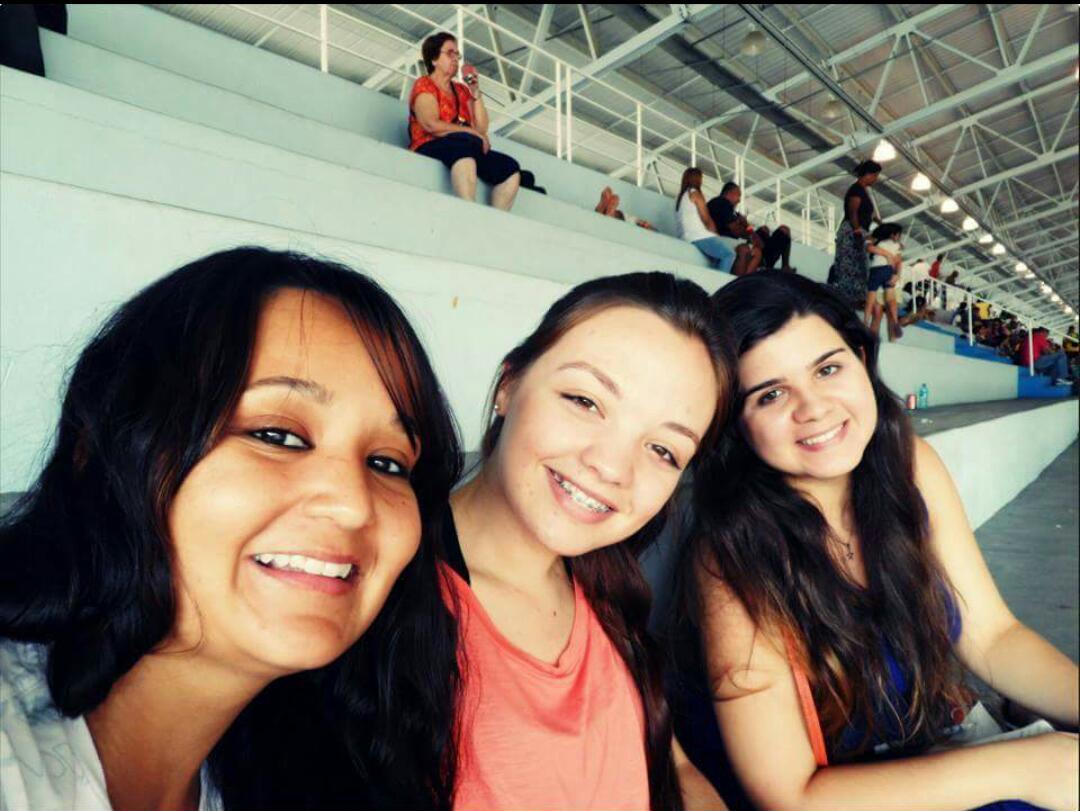 Talita, Letícia e Lívia - Hosana Brasil 2013