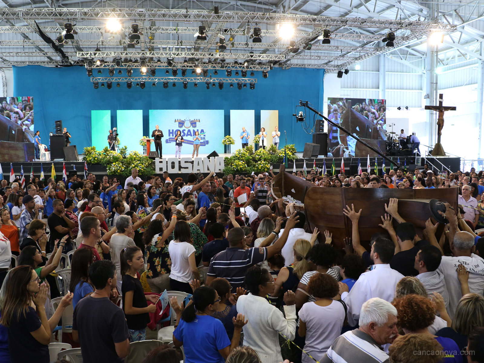 Passeio da barca no Hosana Brasil é um momento de fé e oração (17)