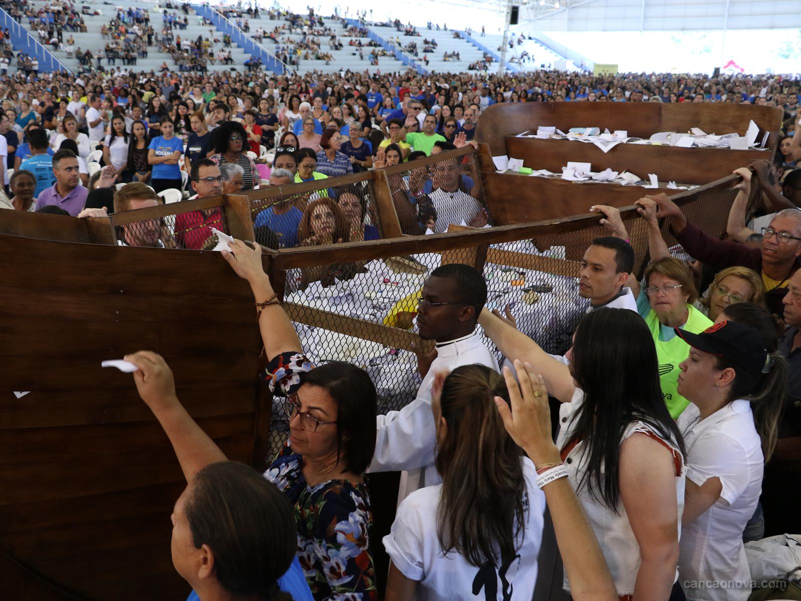 Passeio da barca no Hosana Brasil é um momento de fé e oração (19)