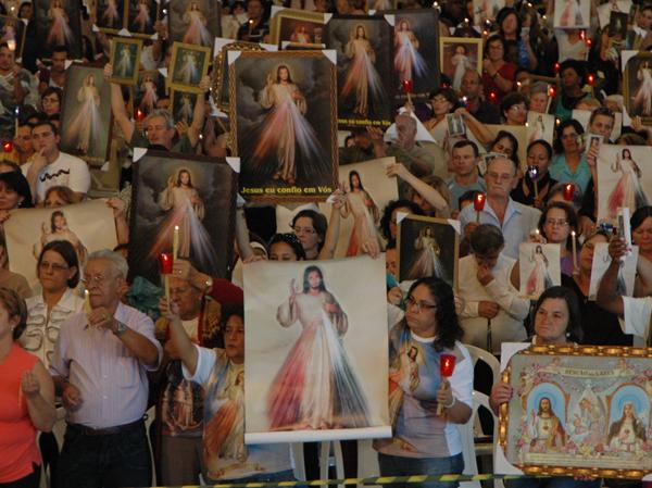 Vigília da Misericórdia na Canção Nova