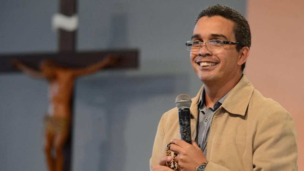 1600X1200_CN-Pregação-Alexandre-Acampamento-Pentecostes-2019-Créditos-Andréia-Britta-1024x576.jpg