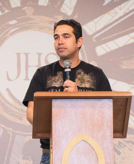 Luciano Alves Moreira prega na Quinta de Adoração na Canção Nova