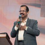 A oração pode mudar o destino de uma nação - Cyril John