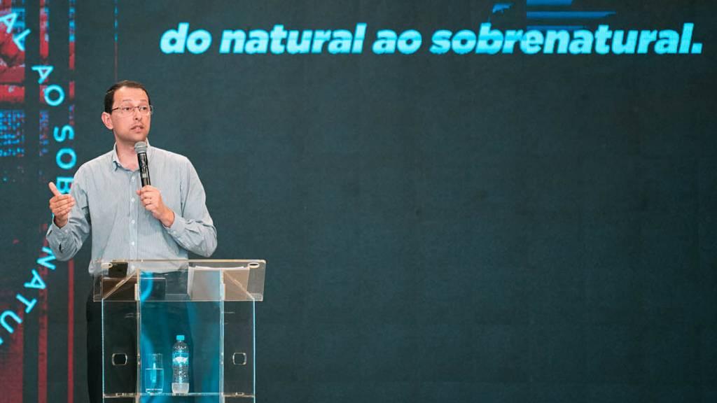 A-essência-é-nos-tornarmos-semelhantes-a-Deus-1600-x1200-Prof°-Felipe-Nery-1024x576.jpg