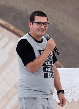 Evandro Nunes prega em Quinta-Feira de adoração. Foto: cancaonova.com