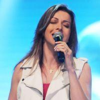 Adriana Arydes canta: Minha graça te basta