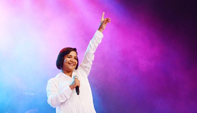 Salette Ferreira fala sobre a música : Tudo pode ser mudado pela força da oração. Foto: Arquivo/cancaonova/com