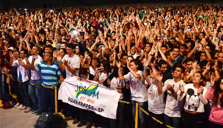 Show_com_Missionario_Shalom_anima_jovens_no_Acampamento_PHN