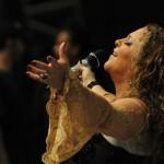 Ouça a música 'Fica Senhor Comigo' de Celina Borges