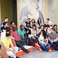 Roda de musica, conversa com os cantores e instrumentistas sobre Nossa Senhora