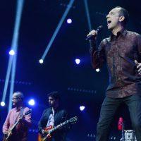 A música desempenha um papel primordial na conversão do jovem