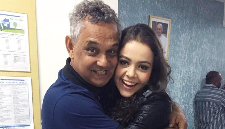 Fernada Silva e Diácono  Nelsinho Corrêa. Foto: WesleyAlmeida/cancaonova.com