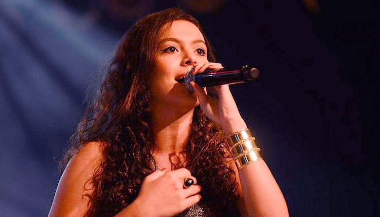 Fernanda Silva é uma cantora católica de 20 anos. Foto: WesleyAlmeida/cancaonova.com