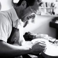 Sejamos madeira bruta nas mãos do Luthier Divino