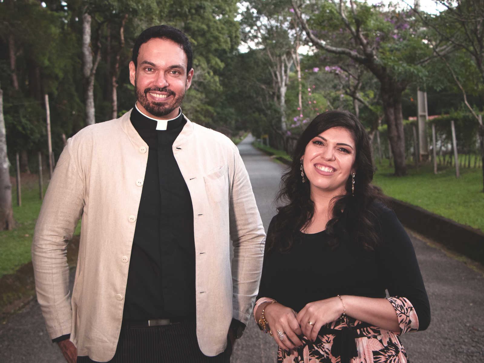Padre Adriano e Fátima Souza