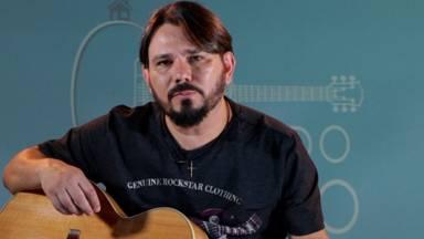 Aprenda a tocar, no violão, a canção Juras de Amor