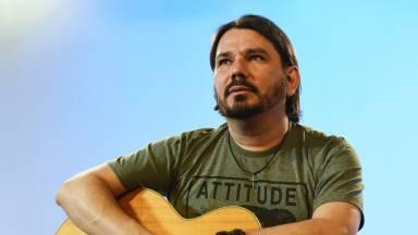 Aula de violão: aprenda a tocar a canção Intimidade