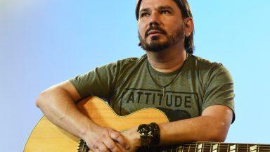 Aprenda a tocar, no violão, a canção A Glória do Senhor