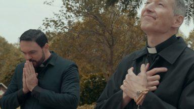 Colo de Mãe: clipe de padre Marcelo Rossi feat padre Adriano Zandoná