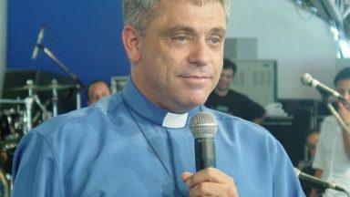 Homenagem musical especial ao padre Léo