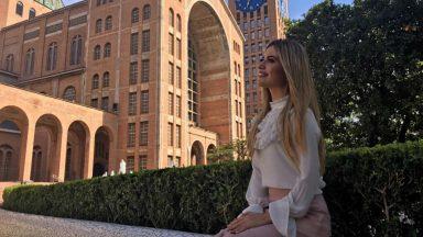 Quadro #TBT: Camila Holanda recorda seu clipe 'Romaria'