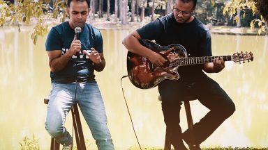 Especial voz e violão: Pitter Di Laura canta Santo Instante