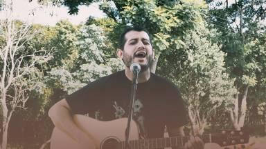 Especial Voz e Violão: Emanuel Stênio canta Eu Quero Me Apaixonar Por Ti