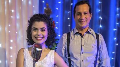 Sarah Sabará interpreta canções natalinas