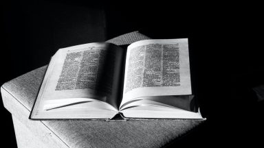 É necessário abastecer o poder da oração em nossa vida