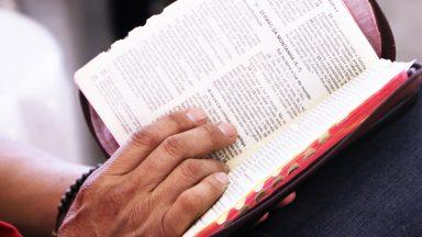 Permitamo-nos ser ungidos pela Palavra de Deus