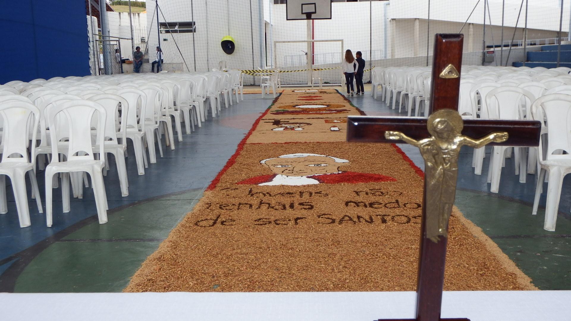 Confira a montagem dos tapetes
