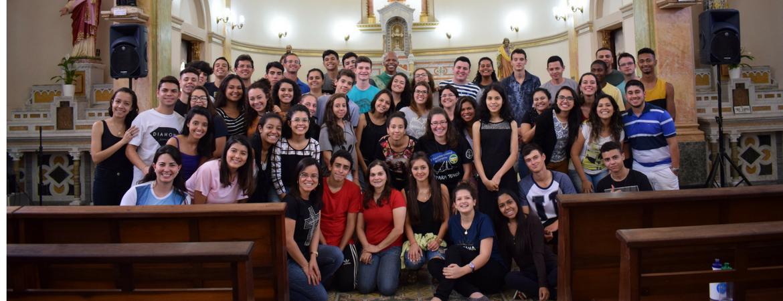 Estudantes do Ensino Médio participam de retiro Espiritual