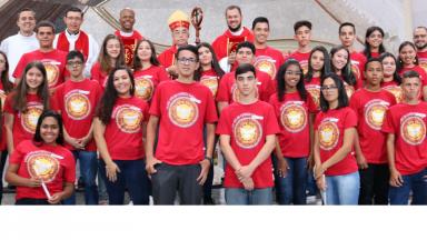 Educandos participam de Retiro Espiritual e recebem o da Sacramento da Crisma