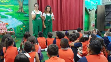 Educandos dos 3ºs anos realizam passeio pedagógico a Cidade do Livro