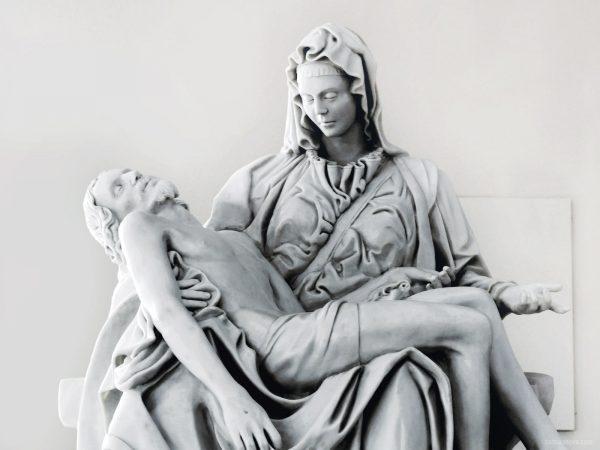 pieta-e-a-imagem-da-dor-materna-que-nao-tem-nome