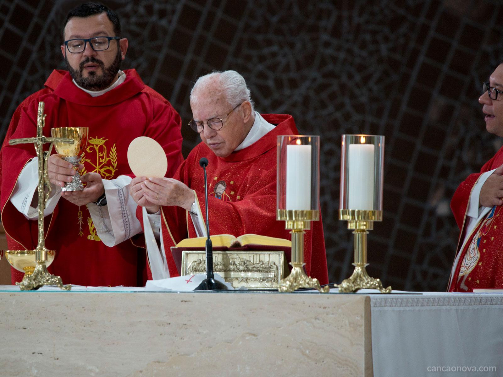 A Missa é um banquete íntimo e sagrado