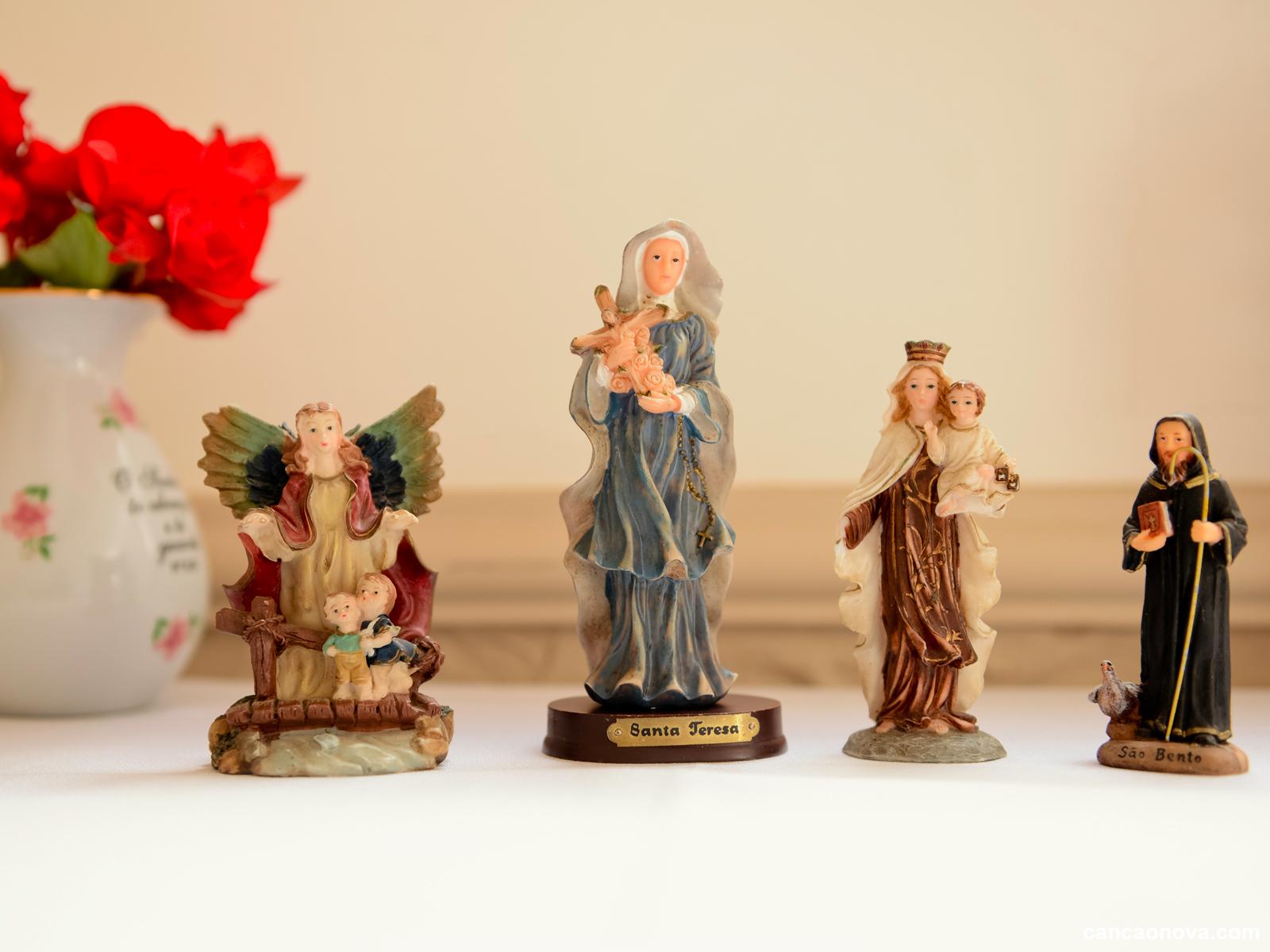 Por que os católicos veneram imagens