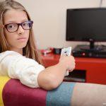 A influência da televisão na vida das crianças - 1600x1200