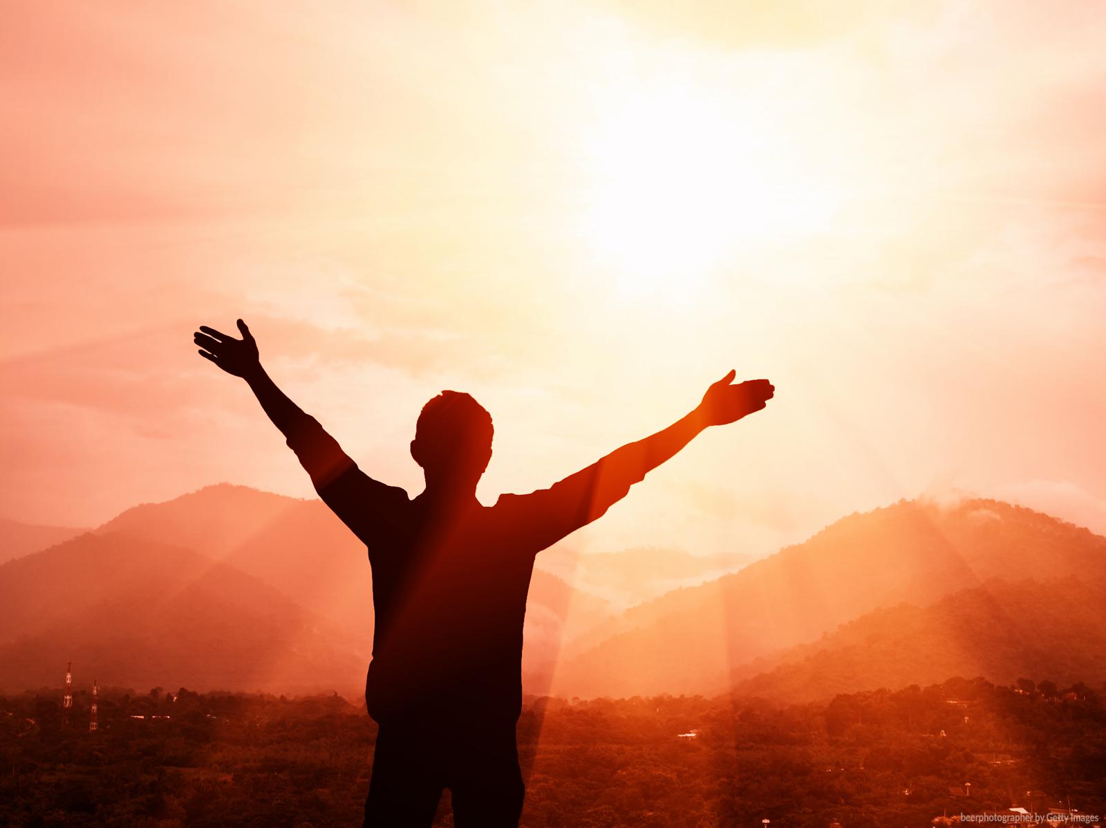 Deus está atento às nossas palavras e atitudes