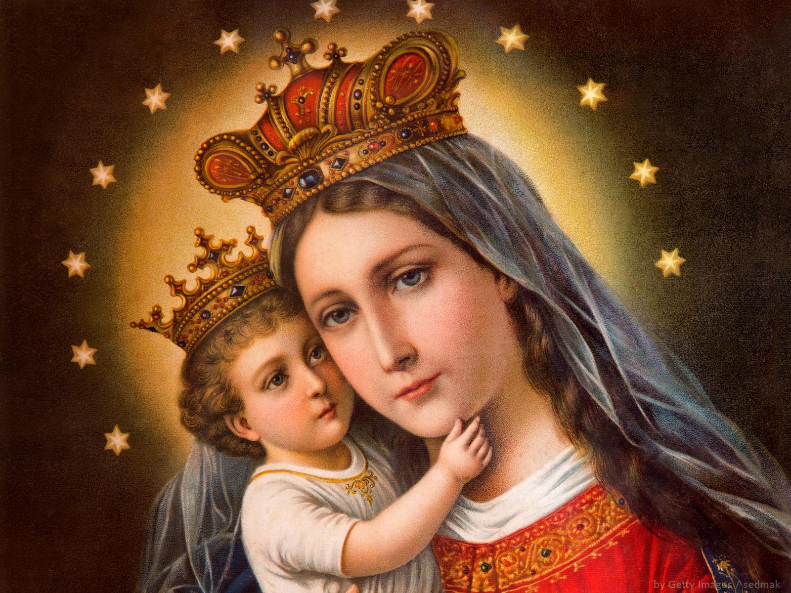 Maria tem o poder de nos aproxima de Jesus