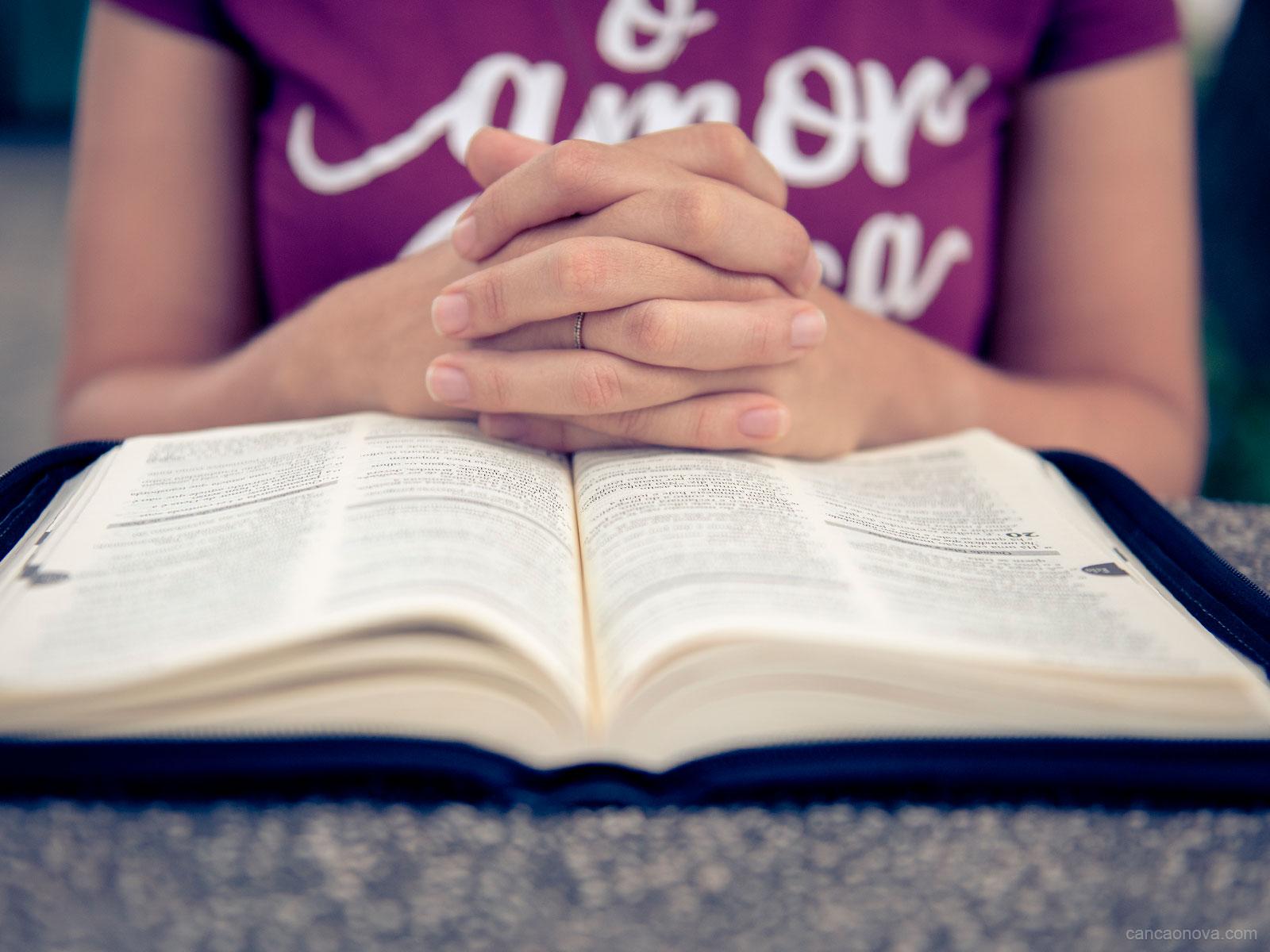 Se você quer progredir espiritualmente, reze e leia a Palavra