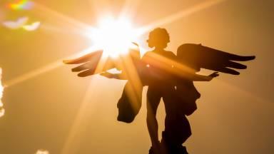 Os anjos são nossos companheiros e protetores