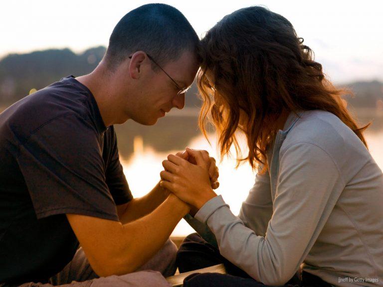 A unidade do casal é cultivada pela oração