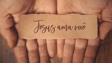 O amor de Deus é infinito, incomparável
