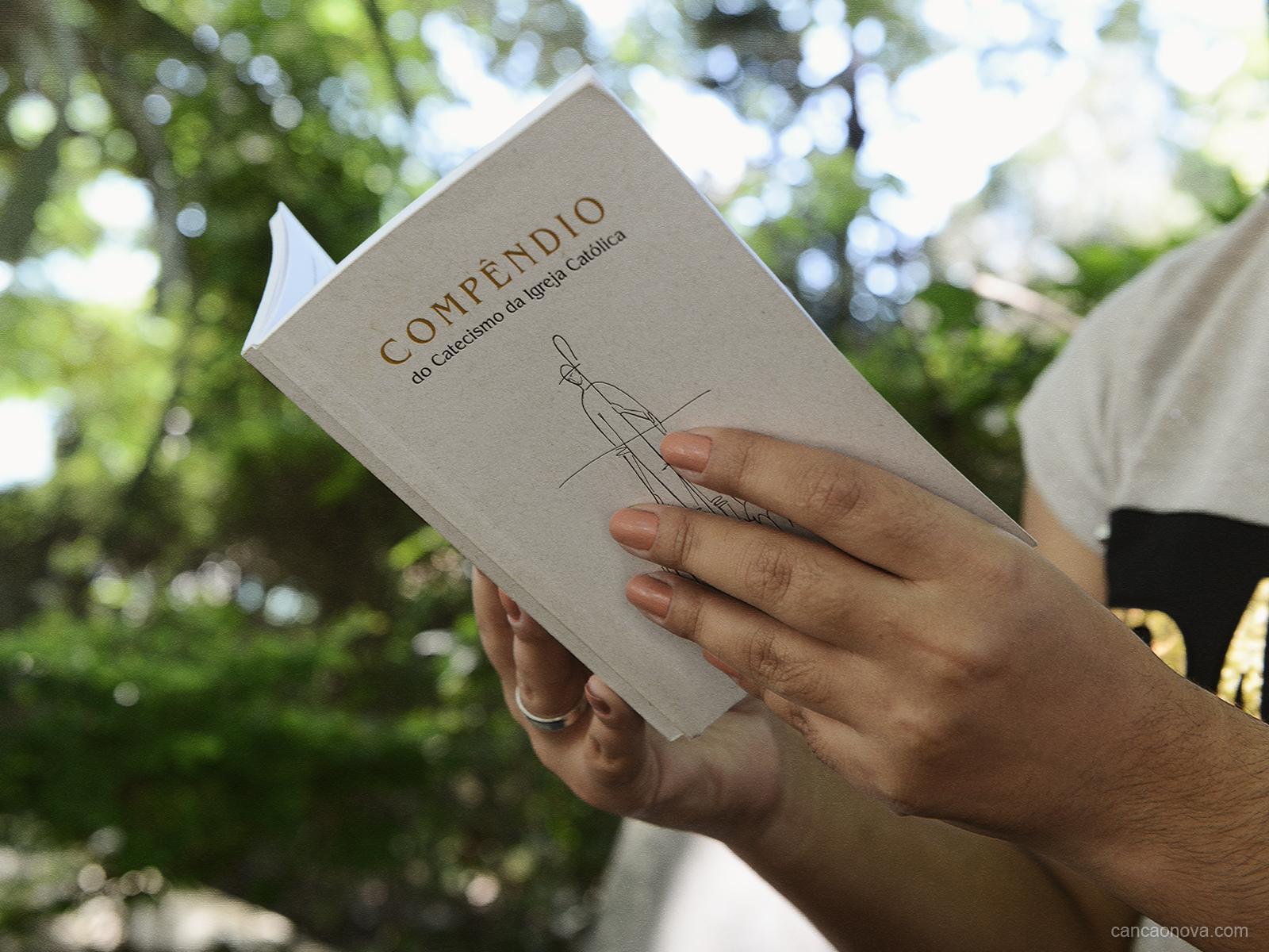 O que é o Compêndio do Catecismo da Igreja Católica?