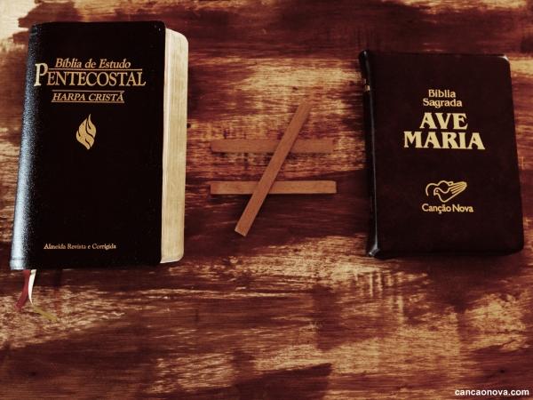 A diferença entre a Bíblia católica e a protestante