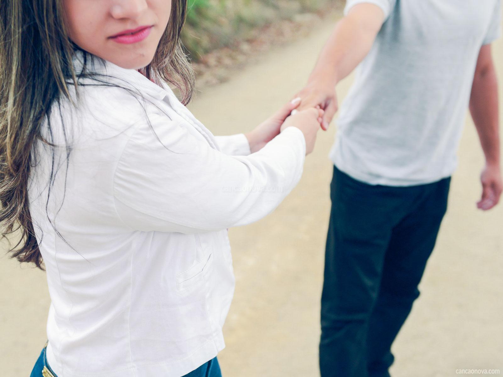 -Meus-pais-precisam-saber-do-meu-relacionamento-amoroso