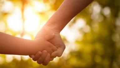 A família tem o papel fundamental na educação sexual dos filhos?