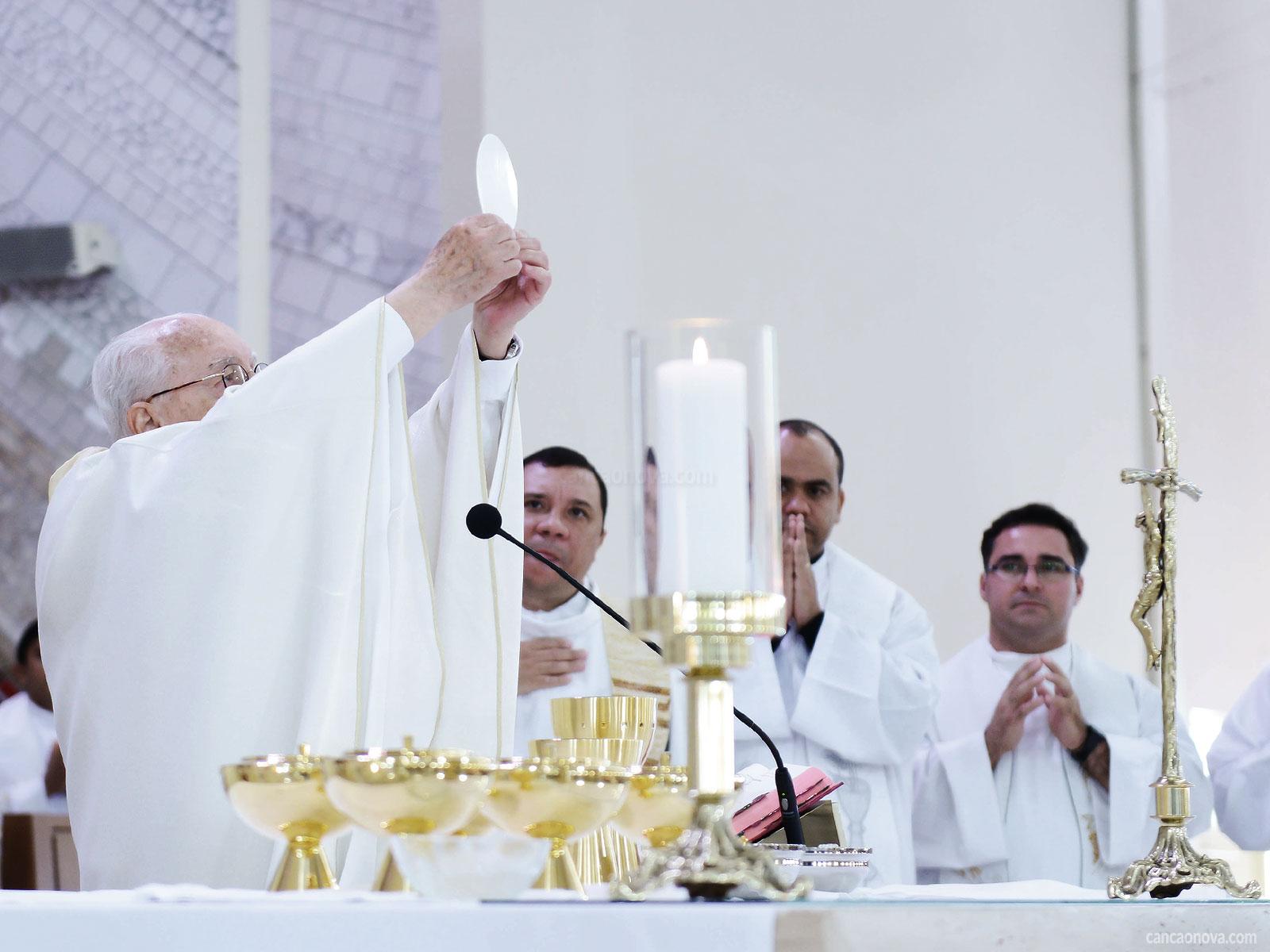 A-Eucaristia-é-parusia,-presença-real-de-Jesus-Cristo